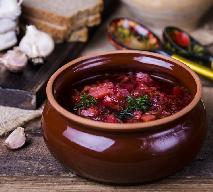 Kapuśniak z czerwonej kapusty: przepis na wykwitną zupę