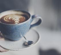 Korzenne cappuccino z kardamonem - przepis na aromatyczną kawę