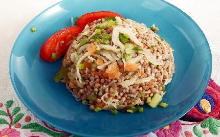 Kapusta z kaszą gryczaną - pomysł na oszczędny obiad