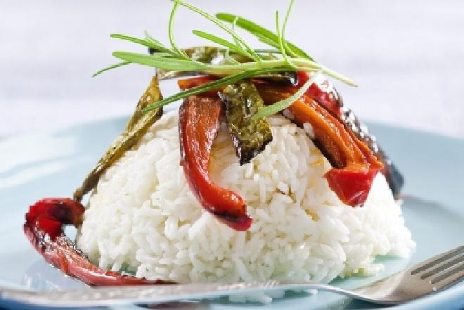 Ryż jaśminowy z grillowaną papryką i rozmarynem