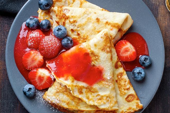 Naleśniki z truskawkami: deser na początek lata!