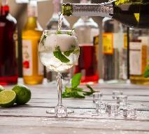 Drinki z szampanem - 5 klasycznych przepisów na koktajle z szampana