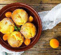 Morelowe muffiny pachnące wanilią: puszysta i słodka przerwa na kawę
