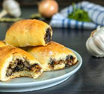 Uniwersalne ciasto krucho-drożdżowe - zrobisz je w 15 minut! Idealne na słodko i wytrawnie!