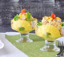 Sałatka z kurczaka i owoców z puszki - elegancki sposób na resztki