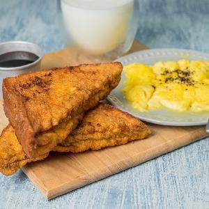 Smażone rożki chlebowe z mozzarellą i bazylią