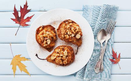 Guszki zapiekane z orzechami: jak przygotować gruszki pieczone?