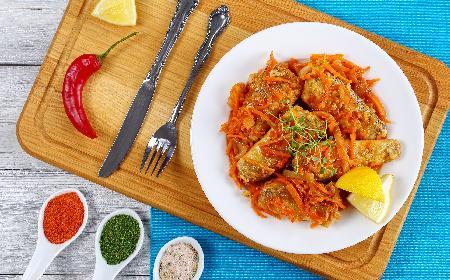 Ryba po grecku: mintaj z warzywami