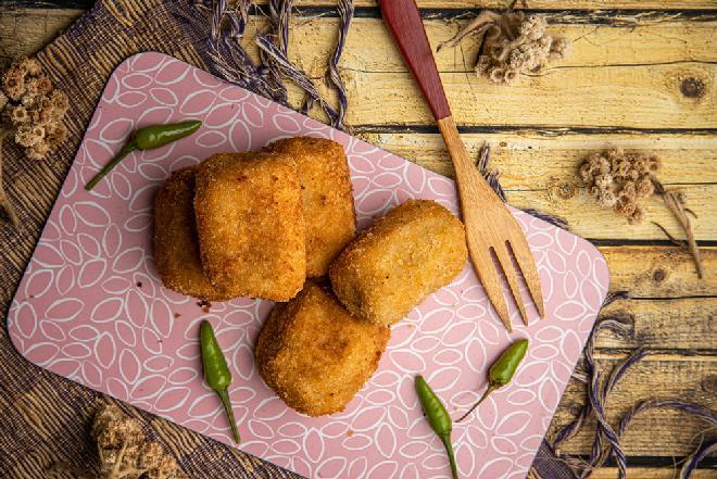 Ziemniaczane rissoles z kurczakiem i migdałami - pyszne kotleciki drobiowo-warzywne