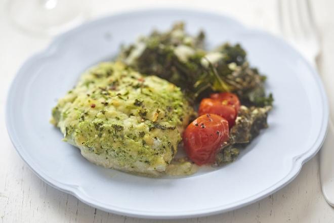 Dorsz z brokułem i zielonym groszkiem - super pomysł na obiad z rybą