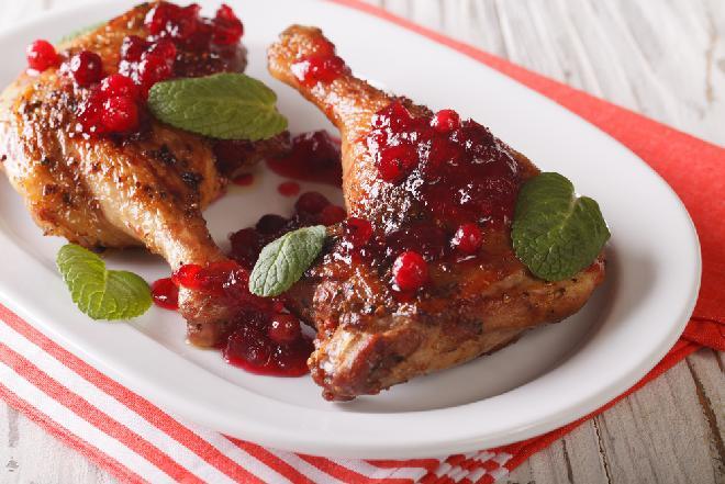 Udka z kurczaka w sosie z czerwonych porzeczek - przepis